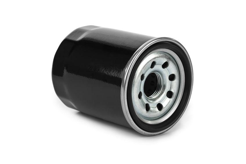 ¿Qué función tiene el filtro de aceite en un vehículo?