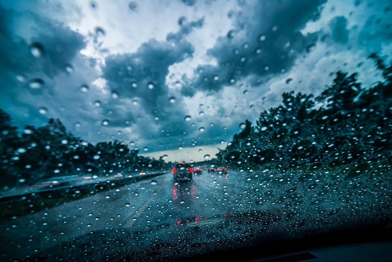 ¿Sabes conducir bajo la lluvia?
