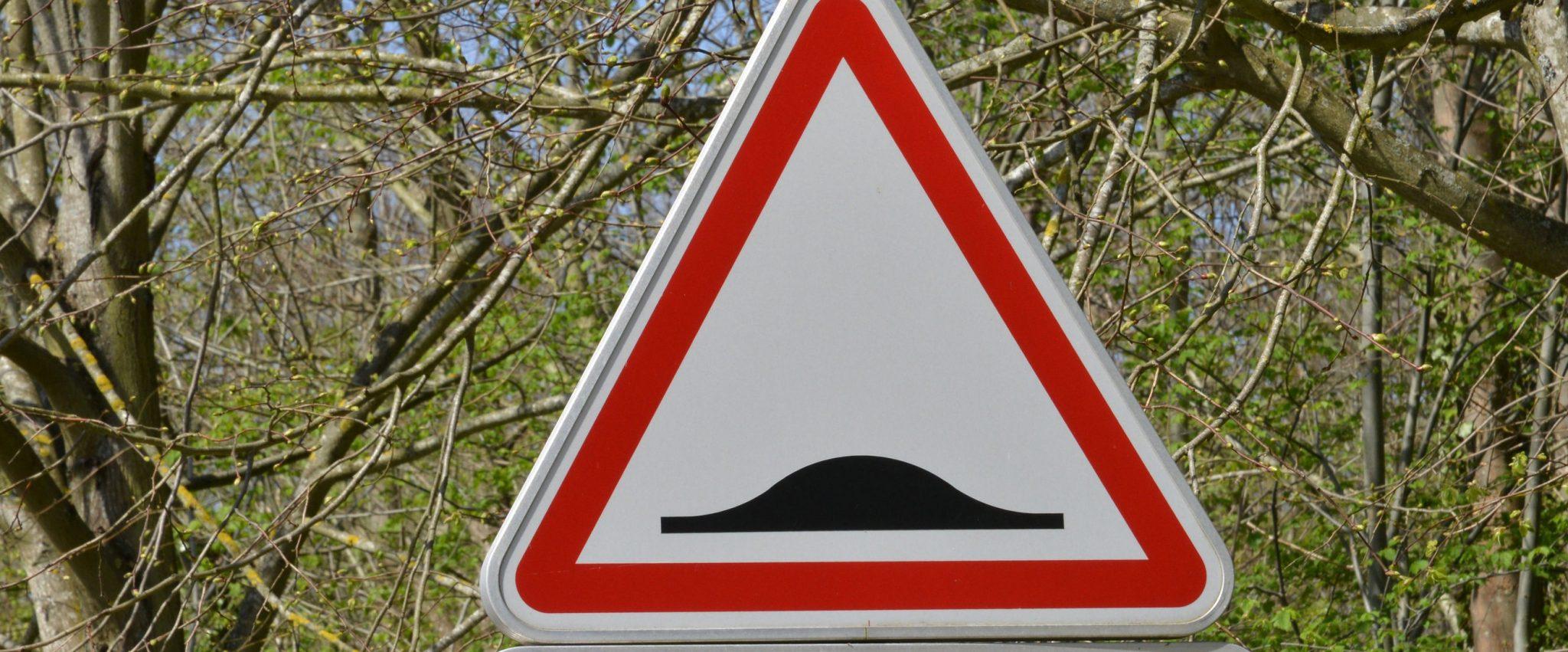 Cómo afectan los badenes a los vehiculos