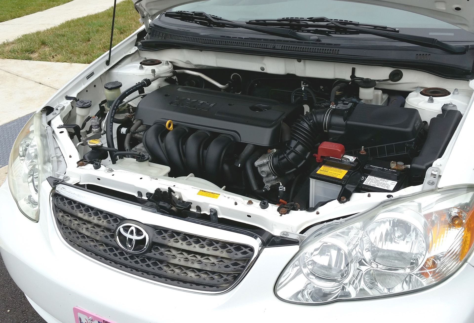 10 motivos por los que se descarga la batería del coche