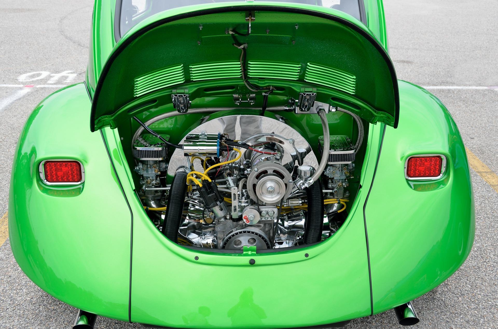 Com funciona el carburador dins del motor dels vehicles?