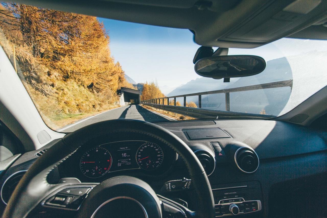 Guia para preparar tu coche en otoño