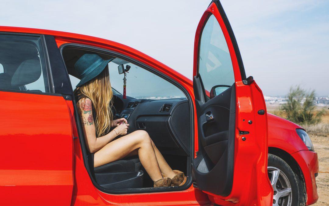 10 punts bàsics per revisar el cotxe a l'estiu