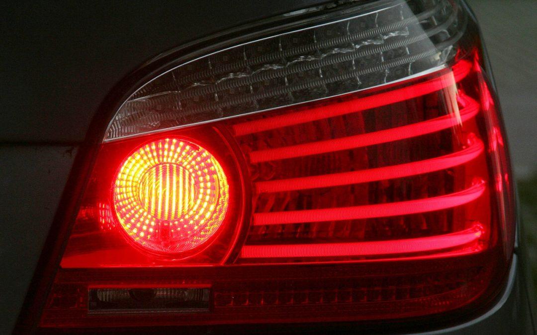 cuándo cambiar las luces del coche