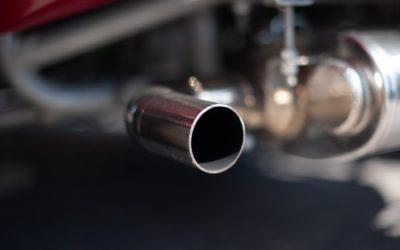 Quan canviar el silenciador d'un cotxe?