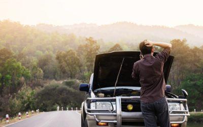 ¿Cuál es el equipamiento obligatorio que hay que llevar en el coche?
