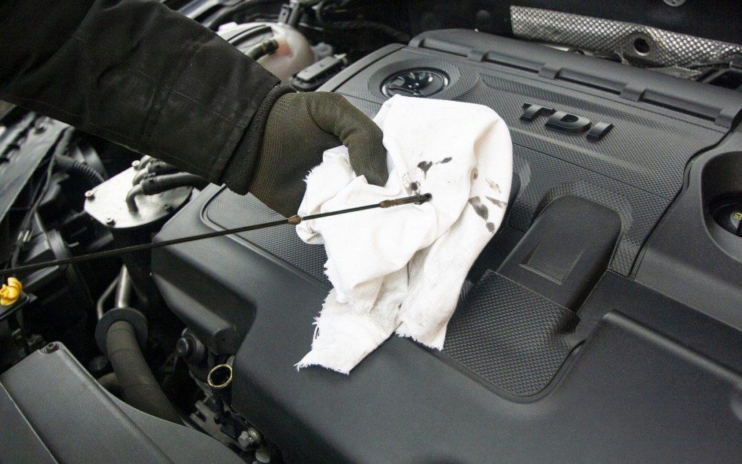 Què pot passar si ens quedem sense oli de motor en el cotxe?