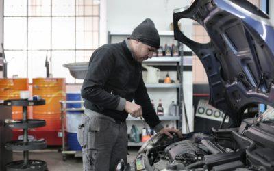 ¿Cada cuánto debo cambiar el aceite del coche?